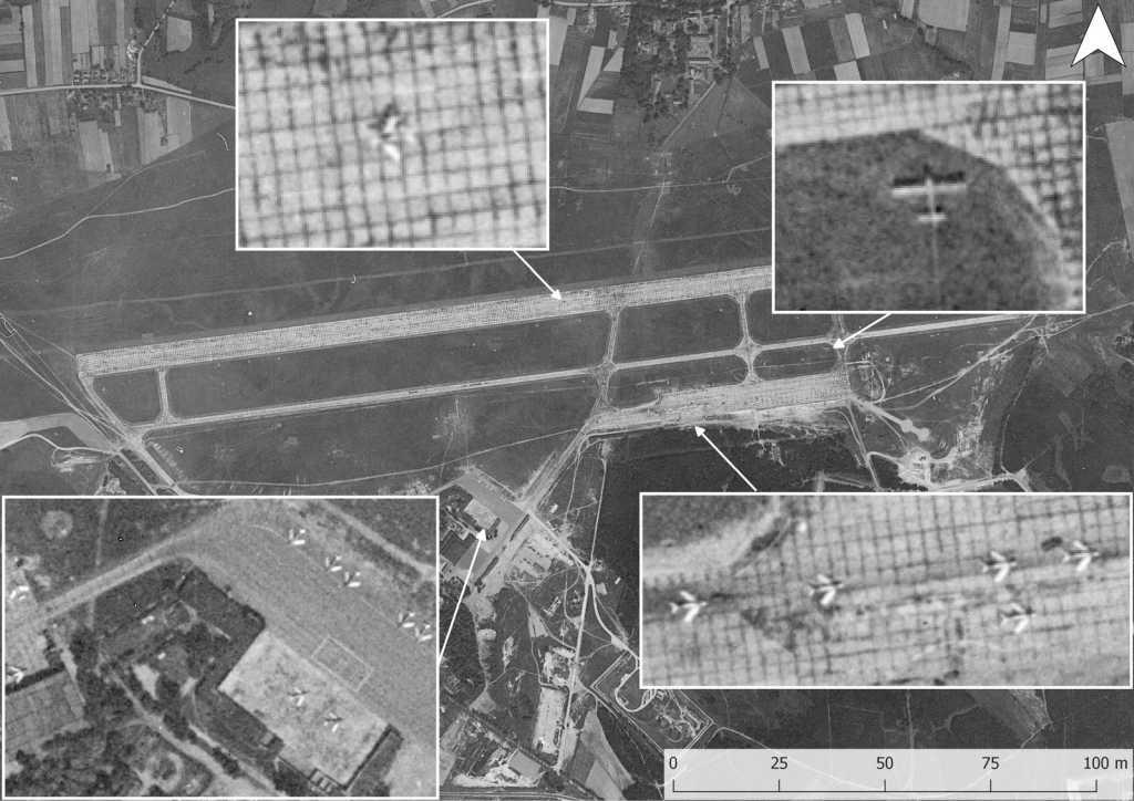 Ilustracja nr 1. Zobrazowanie satelitarne programu Gambit (misja 4029, data wykonania 04.06.1966) przedstawiające radzieckie lotnisko w Wiechlicach. Na powiększeniu widoczny kompleks magazynowo-koszarowy. Białą strzałką wskazano schron Bazalt (typ 641).